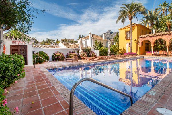 Marbella Urbanizacion and La Concha